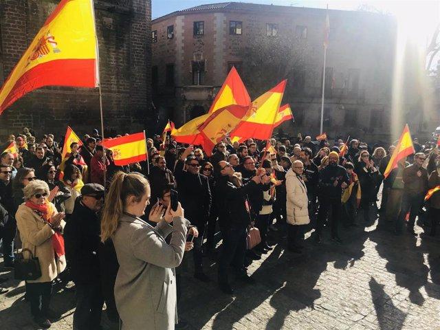 Concentración de Vox frente al Ayuntamiento de Toledo