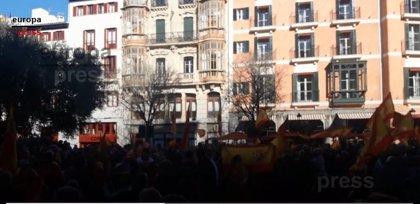 Más de 1.000 personas claman por la unidad de España en un recorrido por las calles de Palma y una concentración en Cort