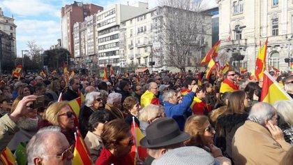 """Centenares de personas reivindican en Santander la """"identidad"""" de España"""