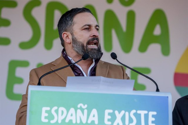 El presidente de Vox, Santiago Abascal, durante su intervención en la concentración convocada por la plataforma 'España Existe' frente al Ayuntamiento de Madrid