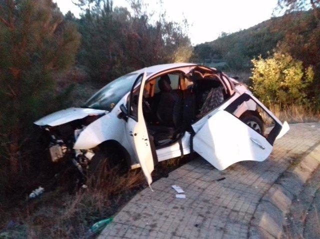 El cotxe que s'ha sortit de la via