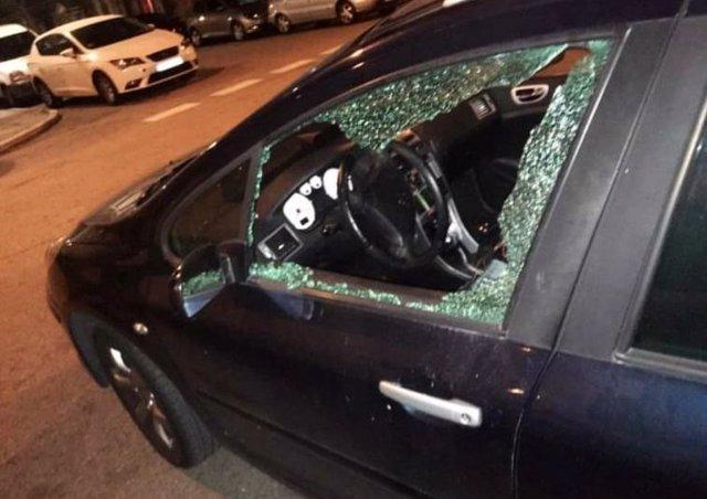 La Asociación Vecinal del barrio de Moscardó en Usera ha denunciado la existencia de varios robos en coches, que ya cuenta con diez afectados, y ha pedido más patrullaje de los agentes de la Policía Municipal en la zona por la noche.