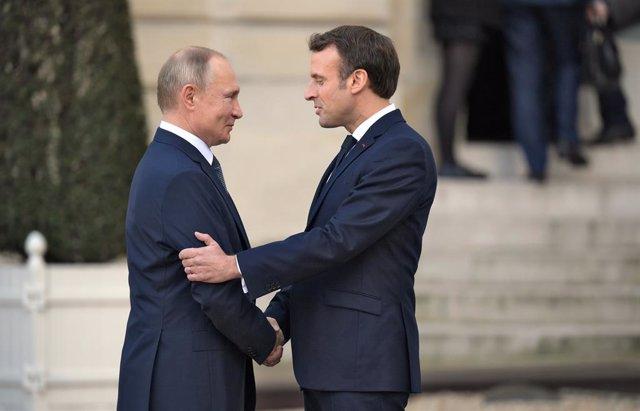 Vladímir Putin i Emmanuel Macron