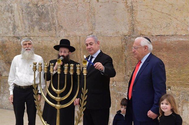 Israel.- El Parlamento israelí da luz verde a la imputación de Netanyahu por cor