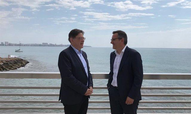 El president de la Generalitat y secretario del PSPV, Ximo Puig, y el secretario socialista y delegado del Gobierno en Murcia, Diego Conesa