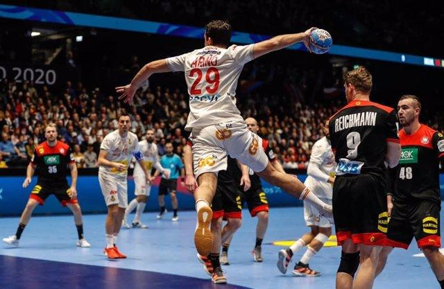 Aitor Ariño con la selección española de balonmano