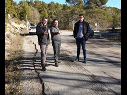 El secretari d'Infraestructures i Mobilitat de la Generalitat, Isidre Gavín, i l'alcalde de Pinós (Lleida), Xavier Vilalta