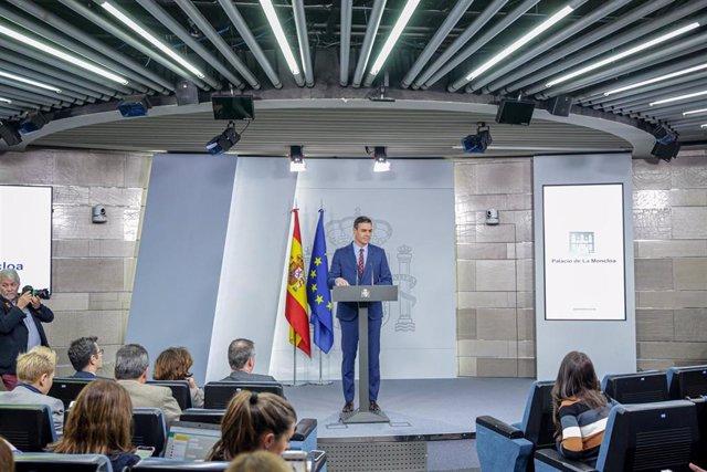 Declaración institucional del Presidente del Gobierno, Pedro Sánchez, para comunicar la composición del nuevo Gobierno de coalición y los objetivos del Ejecutivo tras habérselos comunicado a Felipe VI, en Madrid a 12 de enero de 2020
