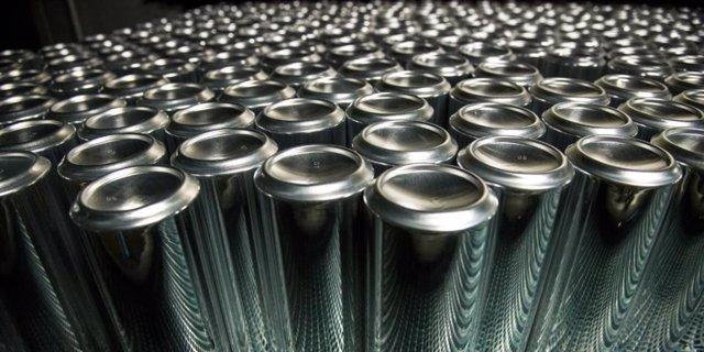 Fabrica de latas de aluminio para bebidas de Ball.