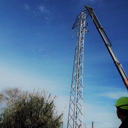 Endesa cierra una anilla eléctrica en Tarragona para reforzar el servicio en tres barrios