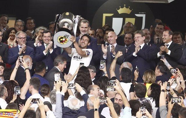 Fútbol/Copa.- Valencia, FC Barcelona, Atlético y Real Madrid conocen este martes