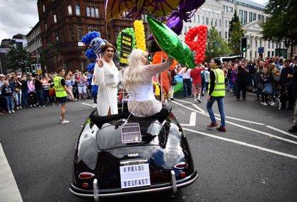 R.Unido.- La reforma que legaliza el matrimonio homosexual entra en vigor en Irlanda del Norte