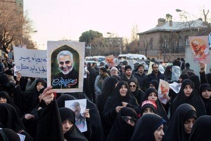 """Irán.- Reino Unido protesta ante Irán por el """"inaceptable"""" arresto de su embajador"""