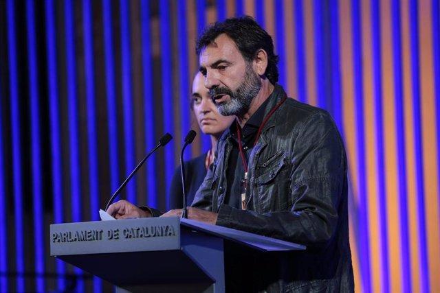 El Parlament de Cataluña entrega la Medalla d'Honor a la capitana del Sea Watch 3 Carola Rackete y al fundador de Proactiva Open Arms Óscar Camps.