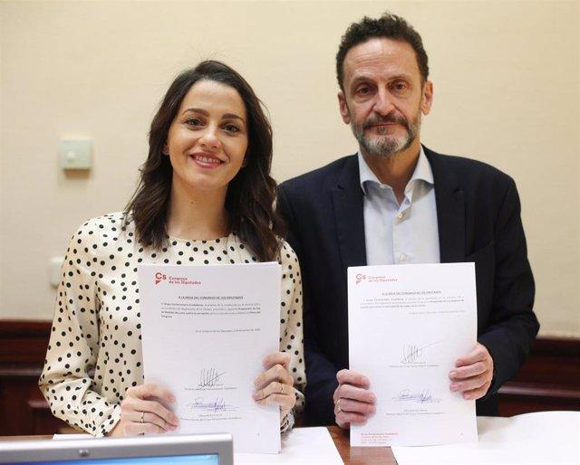 La portavoz de Ciudadanos en el Congreso, Inés Arrimadas y el diputado de C's Edmundo Bal