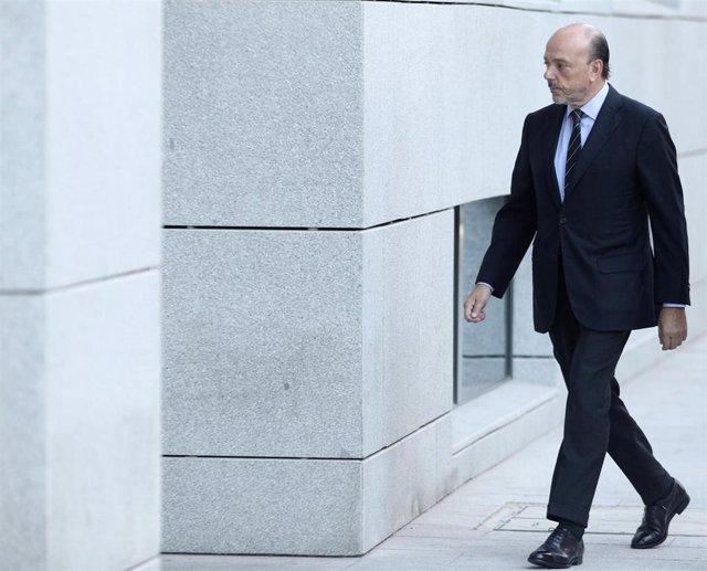 El expresidente de Indra Javier Monzón llega a la  Audiencia Nacional para declarar por su presunta implicación en la trama de corrupción Púnica, en Madrid (España), a 4 de octubre de 2019.