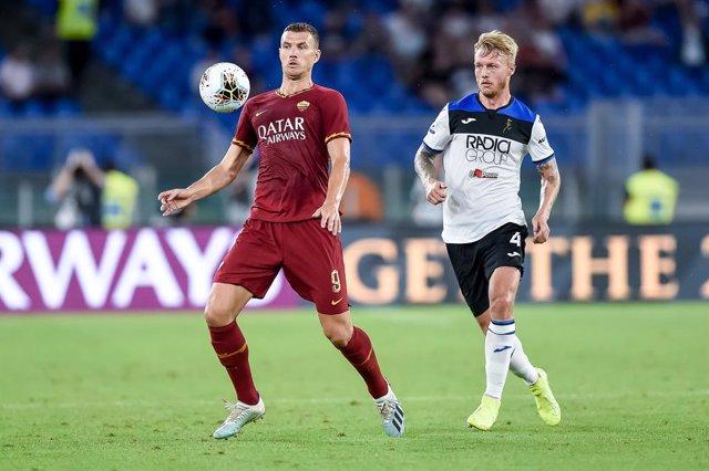 Fútbol.- El central danés Kjaer rescinde su contrato con el Atalanta y el Sevill