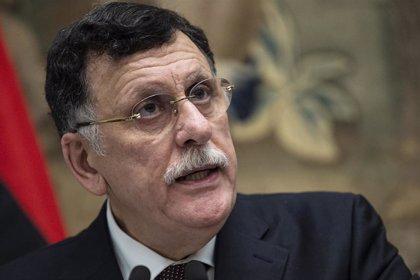 El Gobierno de Trípoli firma el alto el fuego pero Haftar y el Parlamento del este piden más tiempo