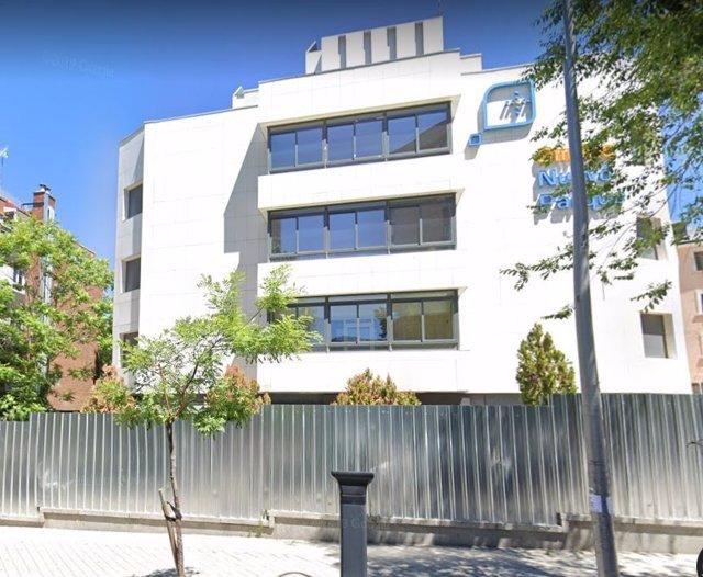 Imagen del edificio de la antigua clínica Nuevo Parque, en el distrito madrileño de Chamberí, que ha okupado Hogar Social Madrid.
