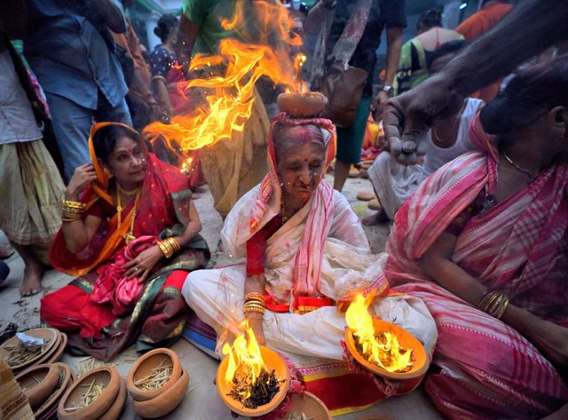 India.- El Supremo indio examina la segregación de las mujeres por parte de las