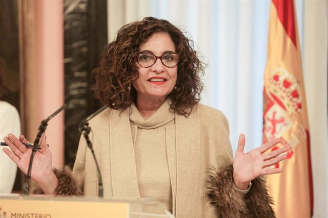 La nueva portavoz del Gobierno y ministra de Hacienda, María Jesús Montero, durante su intervención tras la toma de posesión de su cargo