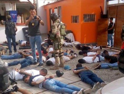 Detenidos 124 miembros de una red criminal en un hotel a las afueras de Lima, Perú