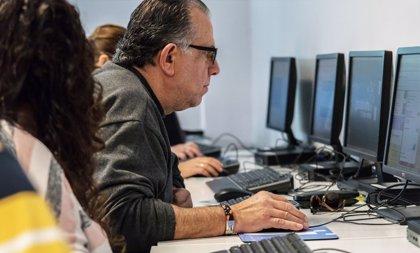 Guadalinfo lanza cursos online de detección de 'fake news', marca personal en redes y creación de contenidos