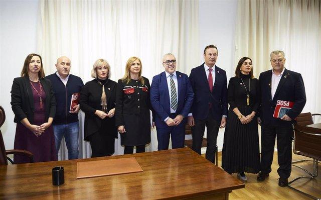 Miembros de la comisión negociadora de PSOE y PRC en el Parlamento de Cantabria