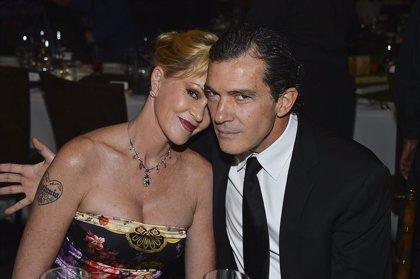 """Melanie Griffith felicita con un """"bravo guapo"""" a Banderas por su nominación al Oscar"""