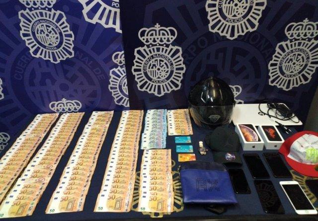 """Policía Nacional Nota De Prensa Y Fotos (La Policía Nacional Detiene A Un Hombre Por Estafar 10.000 Euros A Una Decena De Clientes De Bancos Mediante """"Phishing"""")"""