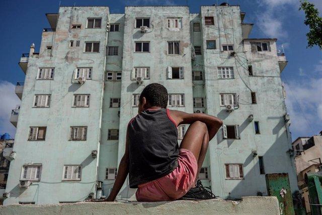 Niño en La Habana