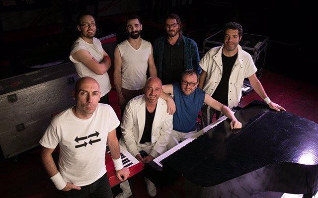 Integrantes de 'Brothers in Band' que protagonizan el concierto del sábado en el Centro Cultural Miguel Delibes.