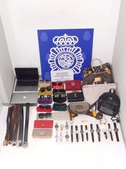 La Policia Nacional deté un passatger a l'Aeroport del Prat que es va donar a la fuga després d'identificar-se amb un passaport fals