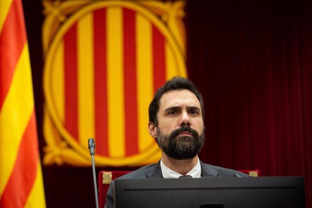 El president del Parlament de Catalunya, Roger Torrent, durante una sesión plenaria celebrada una semana después de conocerse la sentencia del juicio del 'procés', en Barcelona (España), a 23 de octubre de 2019.