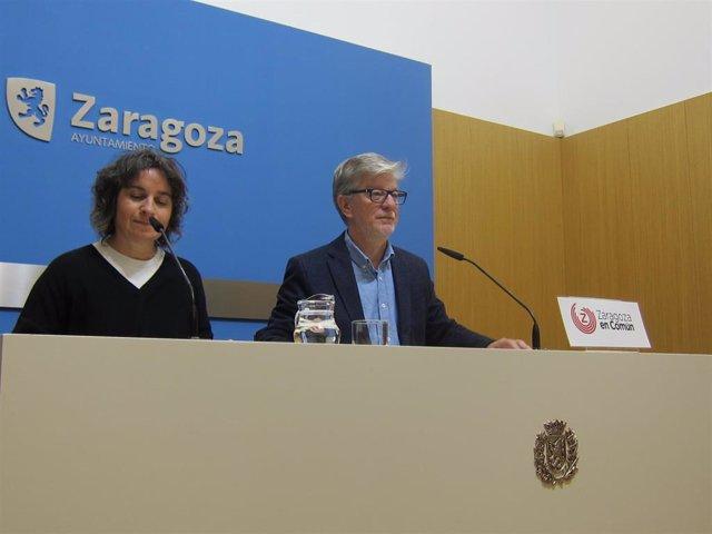 Luisa Broto y Pedro Santisteve, concejales de Zaragoza en Común en el Ayuntamiento de la capital aragonesa.