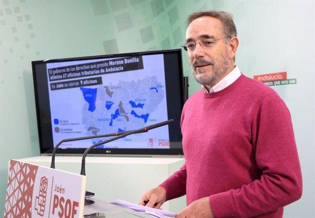 Felipe López durante la rueda de prensa