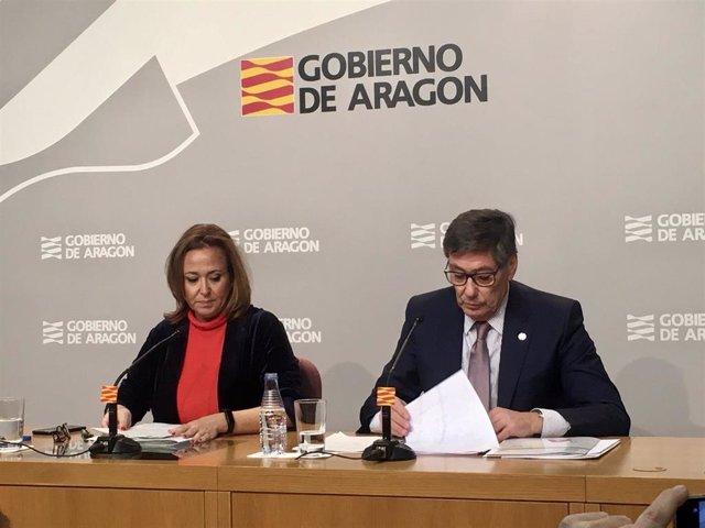 La consejera de Presidencia y Relaciones Institucionales del Ejecutivo regional, Mayte Pérez y el vicepresidente del Ejectuvo y consejero de Industria, Competitividad y Desarrollo Empresarial, Arturo Aliaga