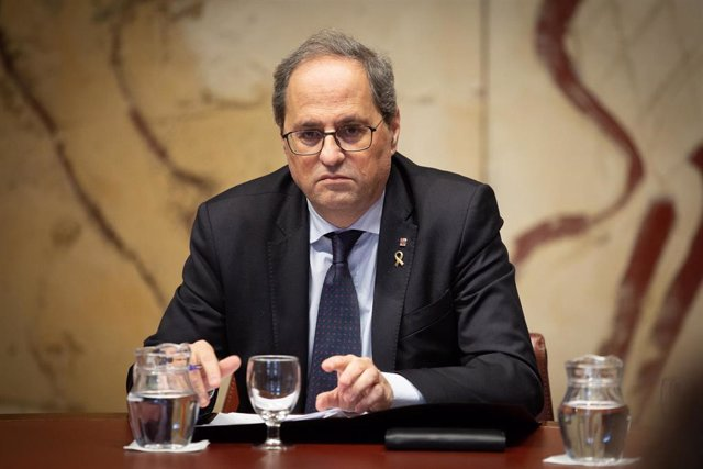 El presidente de la Generalitat, Quim Torra (d), en Barcelona (España), a 10 de enero de 2020.