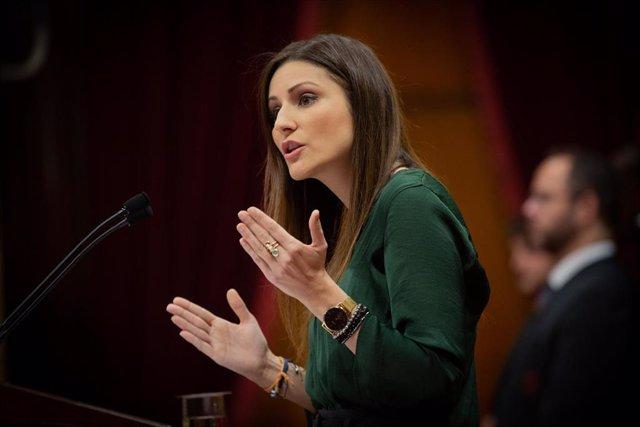 La portavoz de Ciudadanos en el Parlament de Catalunya, Lorena Roldán, durante su intervención en una sesión plenaria en el Parlament, en Barcelona (España), a 11 de diciembre de 2019.