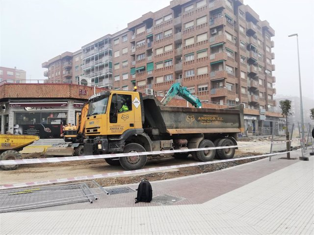 La obras para la remodelación de la calle Albia de Castro finalizarán en el mes de febrero.