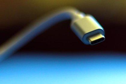 El Parlamento Europeo pide que se desarrolle un puerto de carga común para móviles