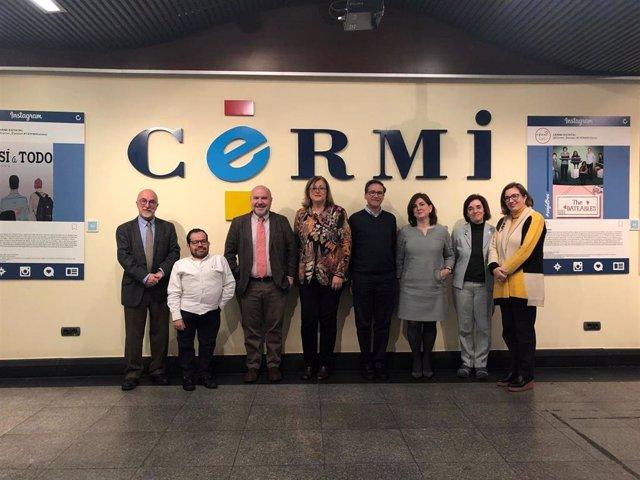 Representantes de la Confederación Estatal de Defensores Universitarios (CEDU) y el Comité Español de Representantes de Personas con Discapacidad (CERMI) en la firma del acuerdo para promover la inclusión en la universidad.