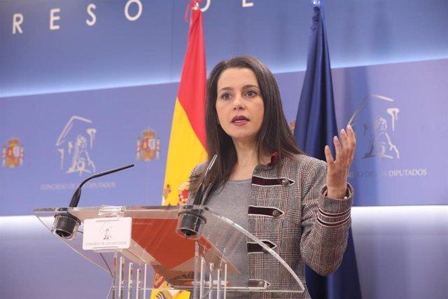 La presidenta y portavoz de Ciudadanos en el Congreso de los Diputados, Inés Arrimadas en rueda de prensa para informar sobre actualidad política, en la sala de Prensa del Congreso de los Diputados, en Madrid (España),a 14 de enero de 2020.