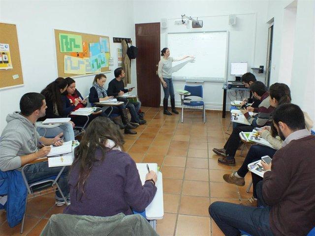 Clase en una academia de inglés en España.