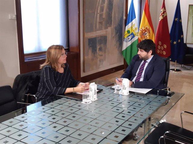 Imagen de la reunión entre Visitación Martínez y Fernando López Miras