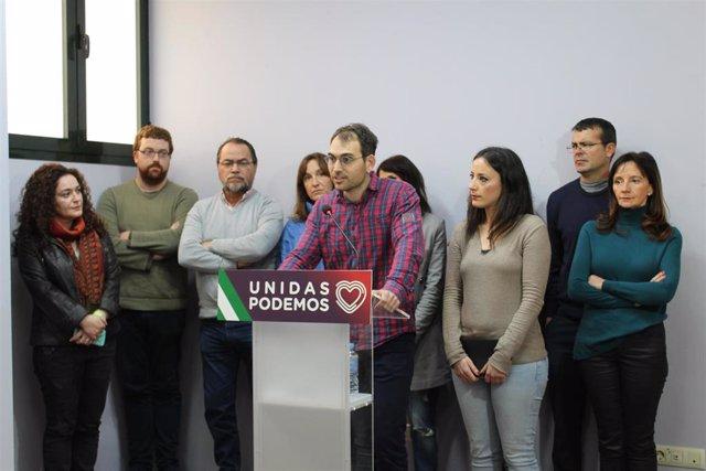 El coordinador general de IU y portavoz de Adelante Andalucía, Toni Valero, en rueda de prensa este martes