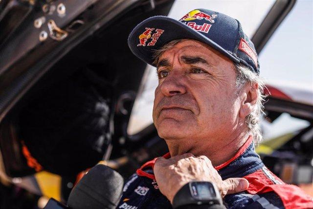 Carlos Sainz tras la etapa del Dakar