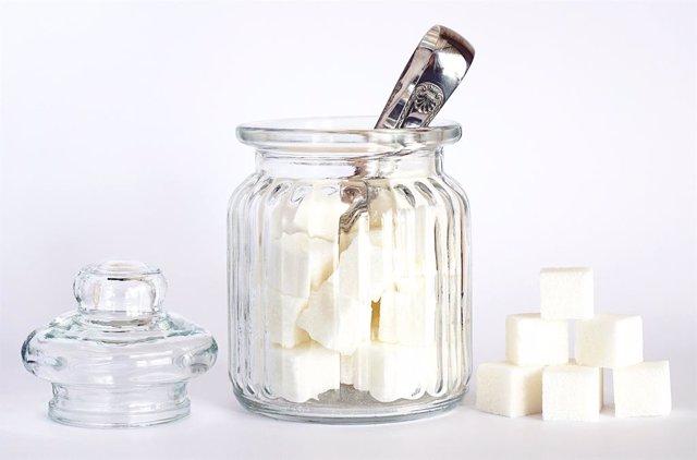 Un estudio confirma que el azúcar produce los mismos efectos en el cerebro que l