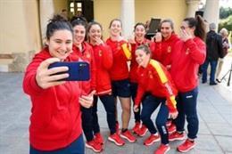 Jugadoras de la selección española de Rugby en la recepción en el Ayuntamiento de Almería