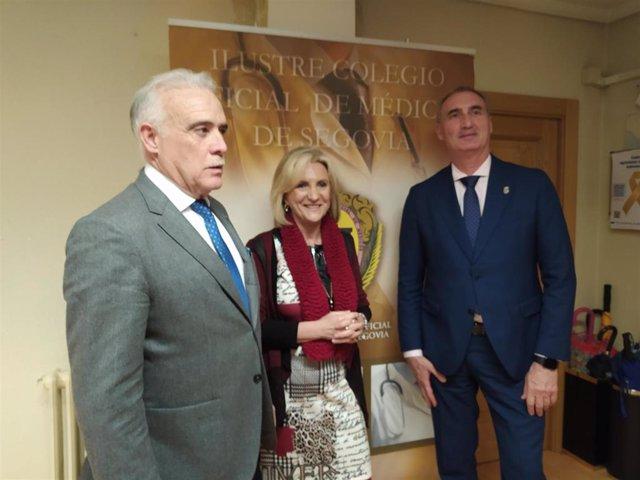 Verónica Casado junto al delegado territorial de la Junta, José Mazarías, y el presidente del Colegio de Médicos de Segovia, Enrique Guilabert.